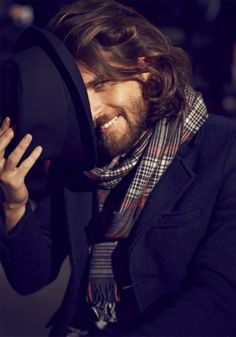 Leo Nessim - hair and facial hair. I love his scarf, jacket and matching hat. His hair and beard looks great too. Mode Masculine, Sharp Dressed Man, Well Dressed, Hair And Beard Styles, Long Hair Styles, Beard Look, Its A Mans World, Raining Men, Moustaches