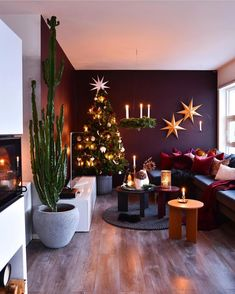 The Hidden Treasure of Cute Living Room With Purple Color Schemes - findmynewhomes Plum Living Rooms, Cute Living Room, Interior Design Living Room, Living Room Decor, Interior Decorating, Home Room Design, House Design, Inspire Me Home Decor, Christmas Decorations
