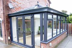 Mr Eales: a contemporary garden Whilst early in notion, the pergola have been encountering somewhat Lean To Conservatory, Conservatory Design, Conservatory Interiors, House Extension Plans, House Extension Design, Garden Room Extensions, House Extensions, Contemporary Garden Rooms, Contemporary Style