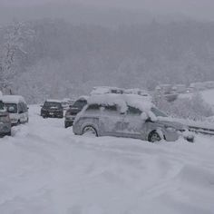 wv turnpike during blizzard from hurricane sandy on October 29, 2012
