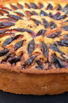Tarte aux quetsches comme en Alsace Easy Desserts, Dessert Recipes, Cheesecake Tarts, French Cake, Dessert Aux Fruits, Fast Food, Biscuit Cake, Soul Food, Sweet Recipes