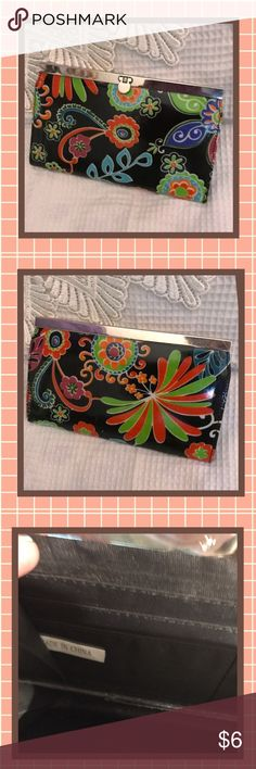 PRICES SLASHED! Colorful Retro Coin Purse Wallet USED CONDITION Retro Wallet Clutch Purse with Bright Colorful Flowers. Priced to sell! Please review the photos and if you have questions please ask before you buy! Also read my Meet your Posher to find out more details about my closet. I have many $5 bargains in my closet, BUNDLE TOGETHER AND GET MORE FOR YOUR MONEY ❤️💲❤️ Bags Wallets