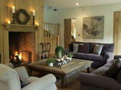 Landelijke woonkamer met grote salontafel! Prachtig geheel!