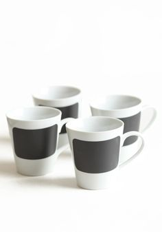 'talk with chalk' mug set // perfect for your next dessert party. that way everyone knows where their coffee is. $28