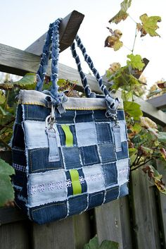 Tote bag | Flickr - Photo Sharing!.....note the way the strap handle is put on.