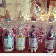 The cute and sweet coffee mugs can be given for them as the baby shower game prize. But this should not limit you to get the most appropriate gift for the guest on the baby shower party.