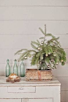 Richtig süße Deko für Weihnachten l Tannenbaum ❤ nice Easy Tiny Christmas Tree DIY , I just fell in love with this tiny Christmas tree inspired from stylish French farmhouse living. An insanely easy Christmas DIY you can use.