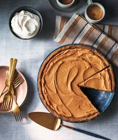No-Bake Pumpkin Pie I am going to replace the cream cheese with creamy tofu and not have the crust. No Bake Pumpkin Cheesecake, No Bake Pumpkin Pie, Pumpkin Pie Recipes, Baked Pumpkin, Pumpkin Dishes, Pumpkin Dessert, Pumpkin Puree, Holiday Desserts, No Bake Desserts