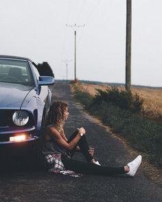 """""""I was in a getaway car, I cried in a getaway car, I died in an getaway car. Goodbye in an getaway car"""" – Taylor Swift – getaway car Portrait Photography Poses, Photography Poses Women, Girl Photography Poses, Creative Photography, Best Photo Poses, Girl Photo Poses, Picture Poses, Car Poses, Shotting Photo"""