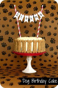 Dog birthday cake with bones  http://keepingmycents.blogspot.com/2013/03/dog-birthday.html?m=1