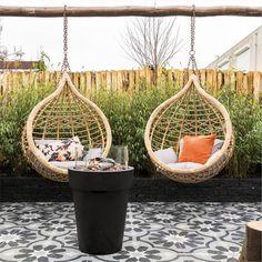 Outdoor Seating Areas, Outdoor Living, Outdoor Decor, Backyard Projects, Garden Planters, Amazing Gardens, Garden Inspiration, Backyard Landscaping, Outdoor Gardens