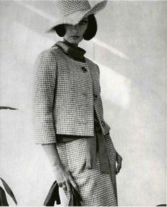 1962 - Yves Saint Laurent suit