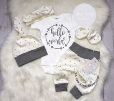 Hello World Baby Boy Outfit Coming Home Gender Neutral Outfit Newborn Baby Girl Monochrome Grey and White Baby Shower Gift - Baby Going Home Outfit, Newborn Coming Home Outfit, Girls Coming Home Outfit, Newborn Outfits, Baby Boy Outfits, Gender Neutral Baby Clothes, Cute Baby Clothes, Babies Clothes, White Baby Showers