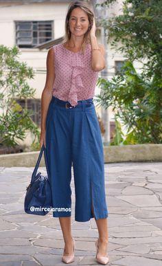 Look de trabalho - look do dia - look corporativo - moda no trabalho - work outfit - office outfit -  spring outfit - look executiva - look de primavera - look de meia estação -  Pantacourt - blue - azul - linho - blusa babado