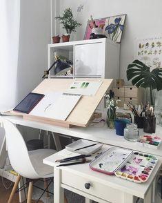 I just want the desk Art Studio Room, Art Studio At Home, Room Art, Dream Art Room, Art Studio Storage, Dream Desk, Art Storage, Painting Studio, Desk Storage