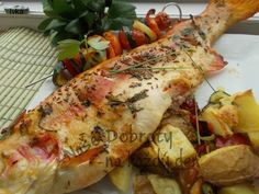 Fish And Meat, Meat Recipes, A Table, Seafood, Turkey, Chicken, Film, Sea Food, Movie