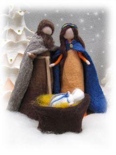 Needle felted and wet felted Nativity Set A felted door LivelySheep Christmas Craft Fair, Christmas Nativity Scene, Felt Christmas, Doll Crafts, Yarn Crafts, Lantern Crafts, Felt Fairy, Nativity Crafts, Felt Dolls