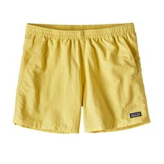 patagonia baggies in yoke yellow Patagonia Baggies, Patagonia Shorts, Cute Hiking Outfit, Outdoor Outfit, Active Wear For Women, Cute Shirts, Summer Outfits, Trendy Outfits, Girly Outfits