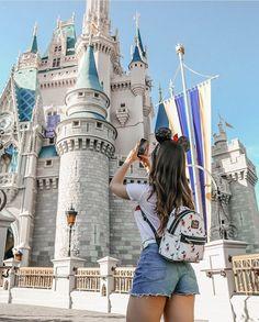 disneyland Source by simplykayleeann Disneyland Paris, Disneyland Orlando, Disneyland Photos, Disneyland Outfits, Orlando Florida, Disney Outfits, Orlando Usa, Cute Disney Pictures, Disney World Pictures