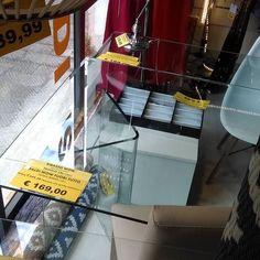 #sbarazzotutto #prezziincredibili #tavolovetrotrasparente #169euro