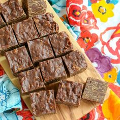 No Bake Chocolate Crunch Bars   Barefeet in the Kitchen Microwave Chocolate Cakes, Chocolate Cereal, Chocolate Crunch, Homemade Chocolate, Cereal Recipes, Baking Recipes, Rice Crispy Cereal, Barefeet In The Kitchen, Cereal Bars