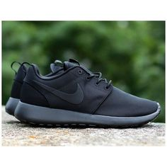 "Nike Roshe Run ""Triple Black"""