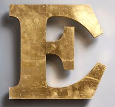 Vintage gold gilt ex-pub sign letter 'E', late 1900s