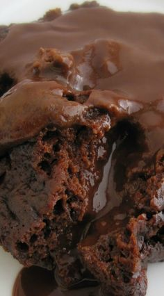 Crockpot Chocolate Lava Cake... I wonder how well this works?