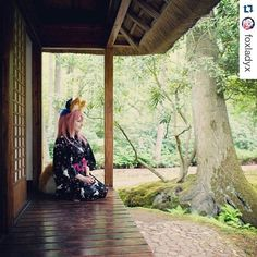 Une tasse de thé pour vous transporter au Japon ? #Repost @foxladyx with @repostapp  How is everyone enjoying this lovely weather we're heaving?  My vacation is over didn't spend it on making costumes as I should have . #castercosplay #foxcosplay #foxlady #caster #fateextra #fatecosplay #japansetuin #clingendael #denhaag #thehague #japanesegarden #kimono #yukata #pinkhair #foxears #cosplaygirl #cosplay #dutchcosplayer