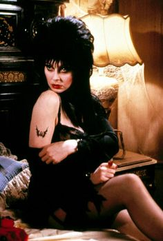 Elvira, Mistress of the Dark Goth Beauty, Dark Beauty, Pin Up Noire, Elvira Movies, Playboy, Dramas, Cassandra Peterson, Dark Pictures, Baby Tattoos