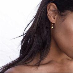 Peri'sbox Trendy Gold Color Small Star Hoop Earrings for Women 2018 Ear Piercing Huggie Earrings Simple Jewelry Bijoux Brincos Types Of Earrings, Small Earrings, Women's Earrings, Diamond Earrings, Pendant Earrings, Earrings For Prom, Gold Star Earrings, Simple Jewelry, Fine Jewelry