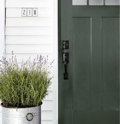 """Great Absolutely Free white Farmhouse Front Door Popular Interior designers often reference art as """"the jewelry of the property,"""" but in regards to enhan House Front Door, House Doors, Front Door Decor, Faux Wood Garage Door, Garage Door Design, Garage Doors, Barn Garage, Front Door Paint Colors, Painted Front Doors"""