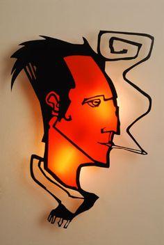lámpara hombre fumando