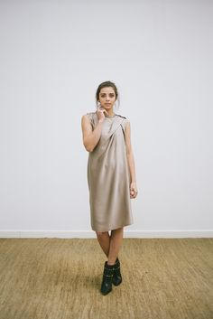LOOK 4 - catalogo - vestido em seda drapeado