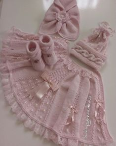 Best 12 very nice pattern pink jacket for little girls Baby Booties Free Pattern, Knit Baby Booties, Booties Crochet, Knitting Baby Girl, Lace Knitting, Knitted Baby, Baby Girl Patterns, Baby Knitting Patterns, Doll Patterns
