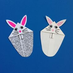 Here are two Bunny Bookmarks before they are put on the page of a book. Origami, Bookmarks Kids, Envelope Art, Street Art, Bunny, Paper Crafts, How To Make, Diy, Accessories