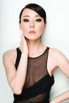 Yunjin Kim- smoky eye