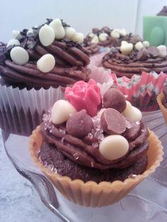 Pretty chocolatey cupcakes!