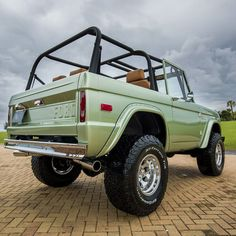 1972 Classic Ford Bronco Resoration, only from Velocity Restorations.  #velocityrestorations