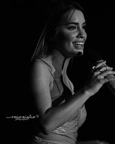 #SOYtour @laliespositoo Cc @rociomiglio Singer, Actresses, My Favorite Things, Portrait, Model, Mariana, Female Actresses, Headshot Photography