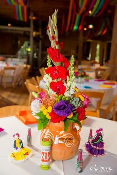 Mexican Centerpiece, Mexican Party Decorations, Quince Decorations, Mexican Birthday Parties, Mexican Fiesta Party, Fiesta Theme Party, Mexican Quinceanera Dresses, Quinceanera Themes, Quinceanera Centerpieces