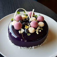 Blueberry, Opalys and Coconut #silikomartprofessional #sodersgourmet #pastry #pastrychef #patisserie #dessertmasters #dessert #valrhona
