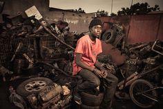 Las poderosas imágenes de las mujeres mecánicas de Senegal