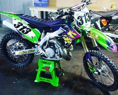 Mx Bikes, Cool Bikes, Best Mountain Bikes, Mountain Biking, Kawasaki Bikes, Dirtbikes, Helmets, Motocross, Motorbikes