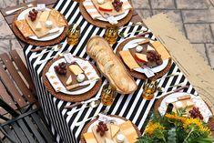 mesa posta, toalha listrada, produtos de mesa, queijos e vinhos, cheese and wine, tablescape, table setting