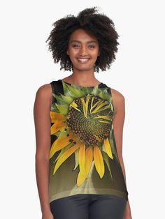 « GIRASOL, from Léa Roche paintings - Tournesol - fleur jaune, flower Shirt Style, Tank Man, Paintings, Flower, People, Mens Tops, T Shirt, Fashion, Yellow Flowers
