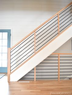 Wood Railings For Stairs, Staircase Railing Design, Interior Stair Railing, Modern Stair Railing, Staircase Makeover, Staircase Railings, Modern Railings For Stairs, Wrought Iron Staircase, Staircase Remodel