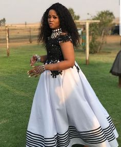Pedi Traditional Attire, Traditional Clothes, African Dresses For Kids, African Fashion Dresses, Amazing Dresses, Nice Dresses, South African Traditional Dresses, Xhosa Attire, African Wedding Attire
