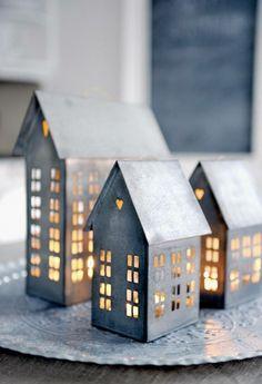 Little illuminated houses to create an idyllic Nordic scene