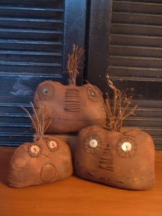 Halloween Season, Holidays Halloween, Halloween Crafts, Halloween Decorations, Halloween Ornaments, Primitive Autumn, Primitive Pumpkin, Primitive Crafts, Fall Crafts